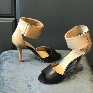 MIA Tan/Brown Heels